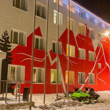 Художественная покраска фасада здания гостиницы